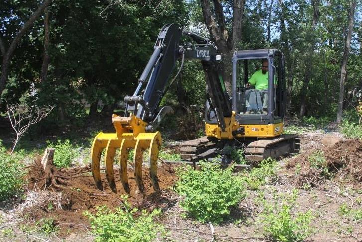 Excavator Attachments - Excavator Rake